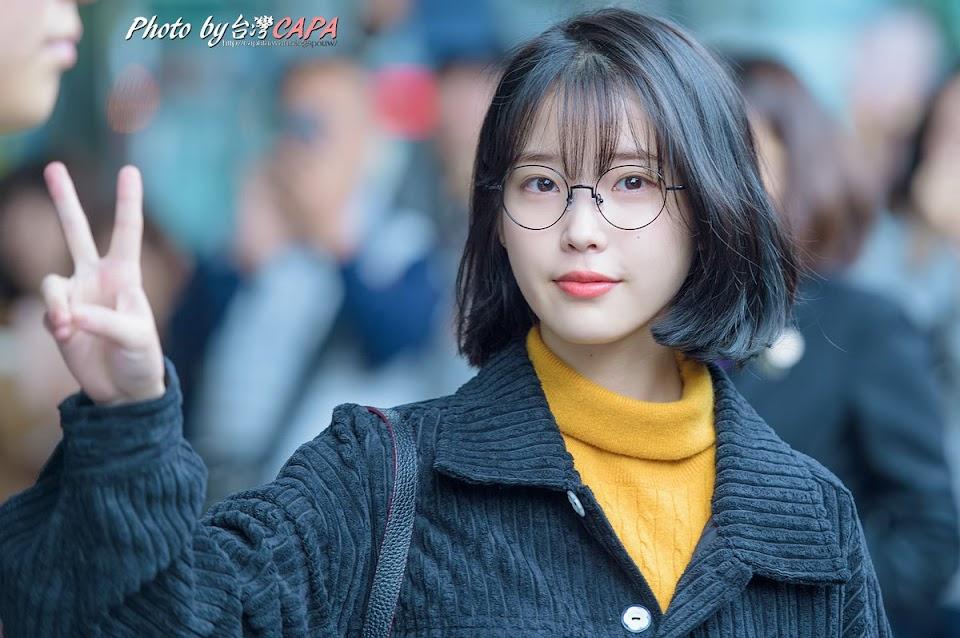 glassesgirls_2