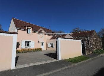 maison à Villeneuve-le-Comte (77)