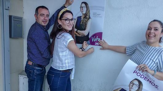Carmen Mateos (centro), candidata de Podemos (Podemos Almería)