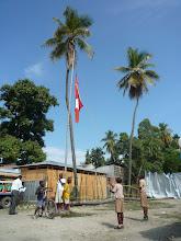 Photo: 10.01.2011 - pose de la première pierre: montée de drapeaux
