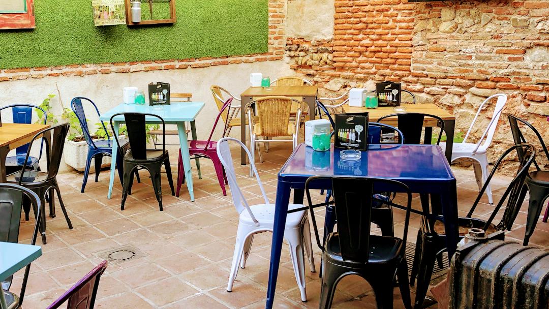 La Corrala Escondida Cóctel Café Bar En Alcalá De Henares