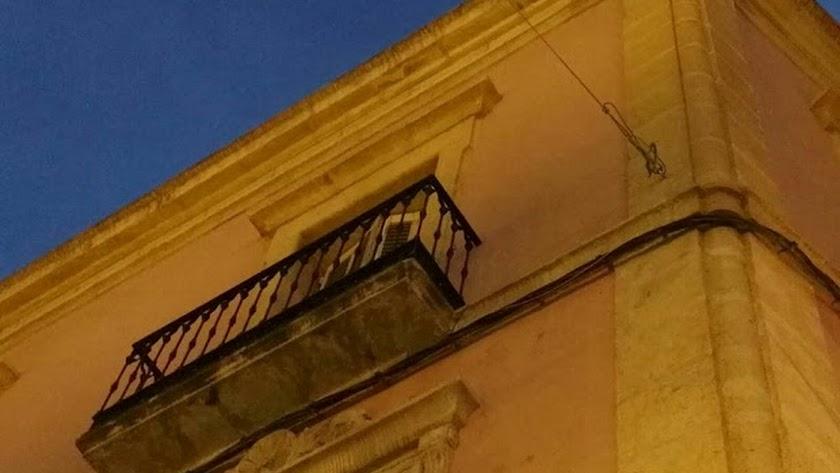 Penalizan con 4.386 euros a la empresa de los toldos de feria tras el 'taladrazo'