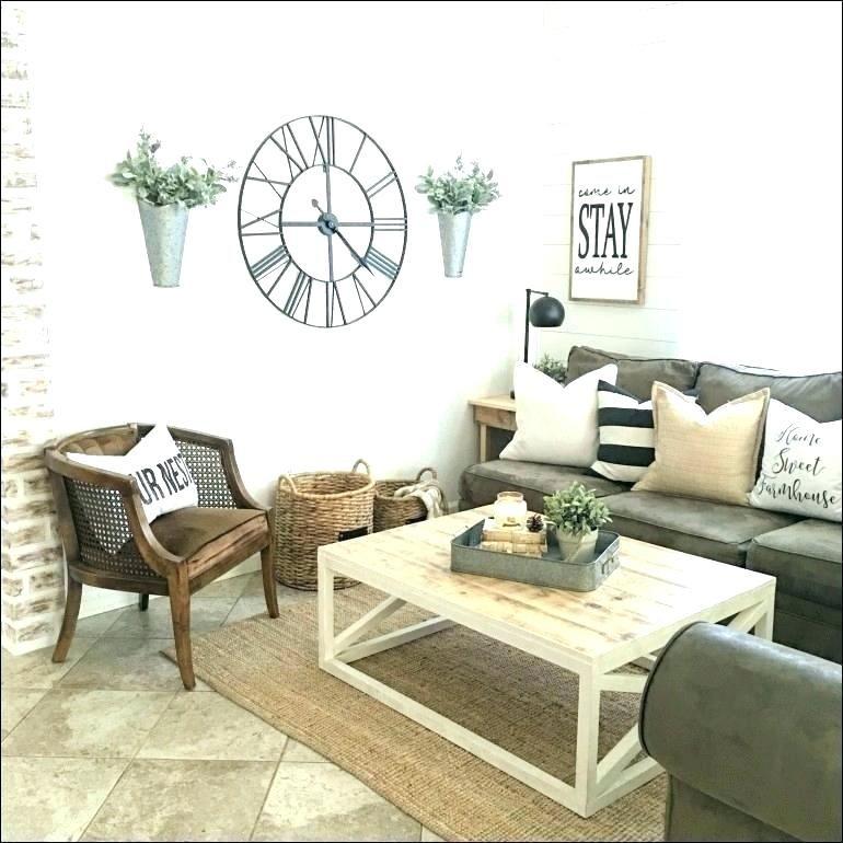 Nội thất đơn giản và vật liệu tự nhiên giúp nhà phong cách vintage trở nên dịu dạng và gần gũi