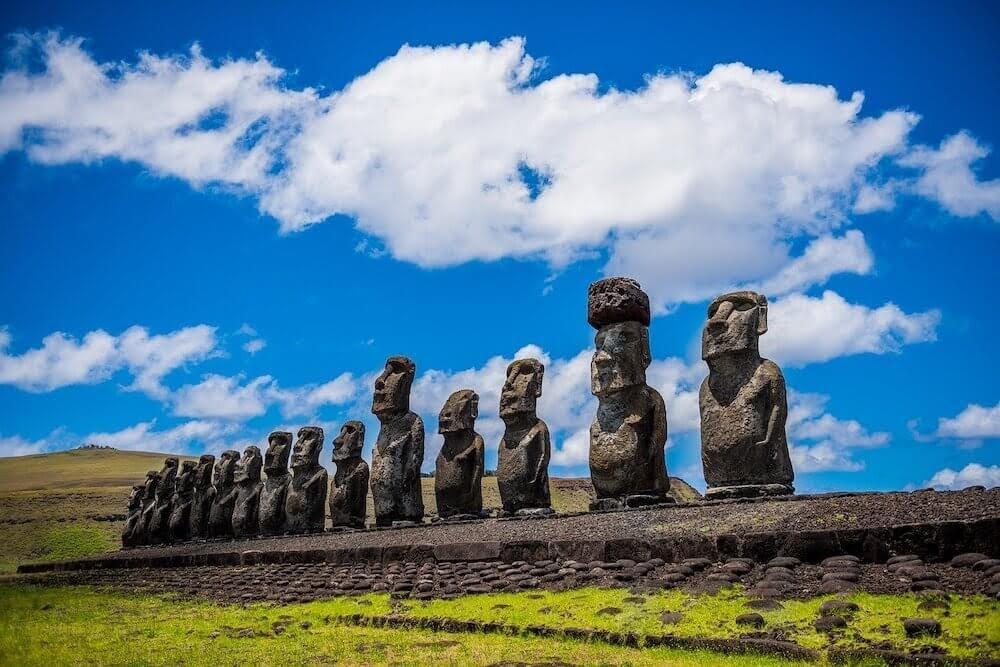 moai-easter-island-rapa-nui chile.jpg
