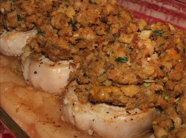 Stuffing-topped Apple Pie Pork Chops