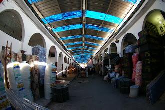 Photo: Intérieur du Souk de Lo9ri3a (difficile de montrer sur photos la sensation, mais vraiment incroyable toute les échoppes) aucun touristes...