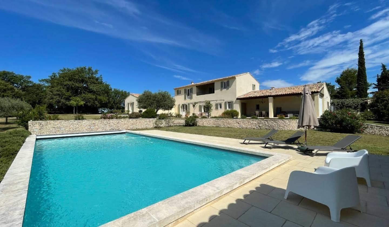 Maison avec piscine et terrasse Malemort-du-Comtat