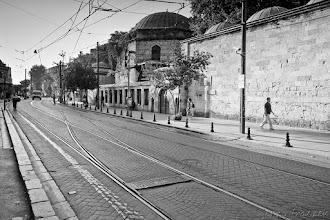 Photo: Puste ulice budzącego się do życia miasta