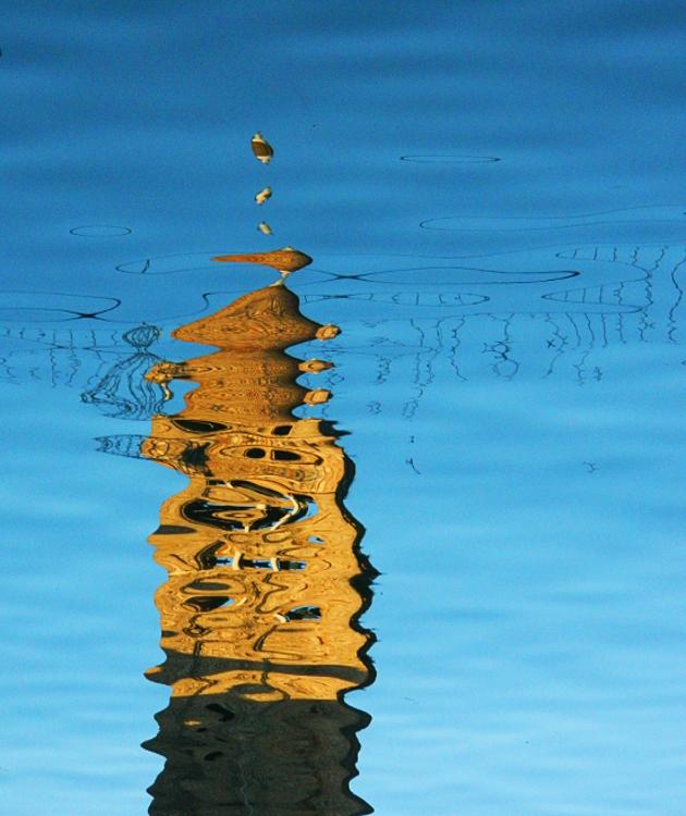 Riflesso in laguna di lucaldera