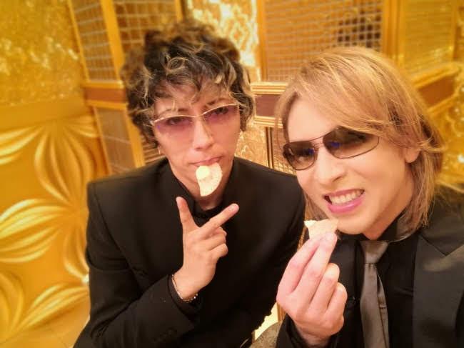 [迷迷音樂] YOSHIKI 和 GACKT 再次挑戰「一流藝人品鑑中」 餅乾吃不停