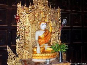 Photo: #006-Inwa (Ava), Bouddha dans le monastère Bagaya Kyaung.