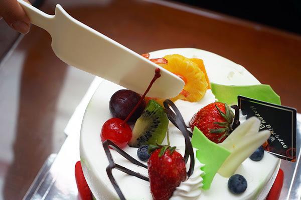 麥園烘焙坊|台南蛋糕| 東區生日蛋糕推薦|豐富水果蛋糕推薦|層次口感甜而不膩|六寸母親節蛋糕生日蛋糕