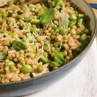 FARRO RISOTTO WITH ASPARAGUS AND PEAS
