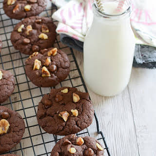 Cake Mix Fudge Cookies.