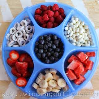 Patriotic Snack Tray and Fruit Dip.
