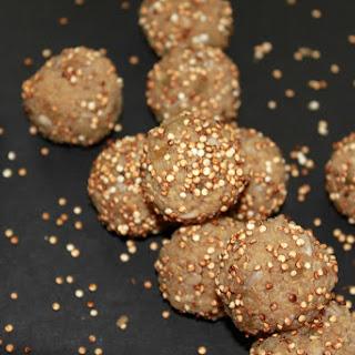Pop-Q's (puffed quinoa & maple syrup bites)