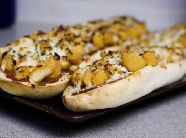 Super Easy & Yummy Chicken Parmesan Pizza Bread Recipe
