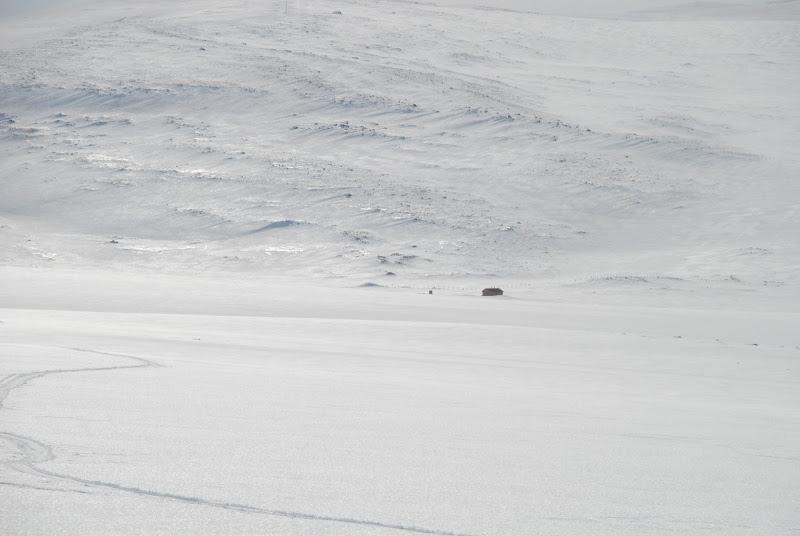 Kuva: Norjan puolen Lossun tupa jää pikkuhiljaa takamaastoon