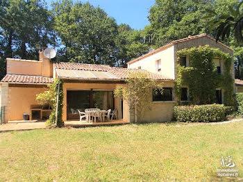 villa à Breuillet (17)