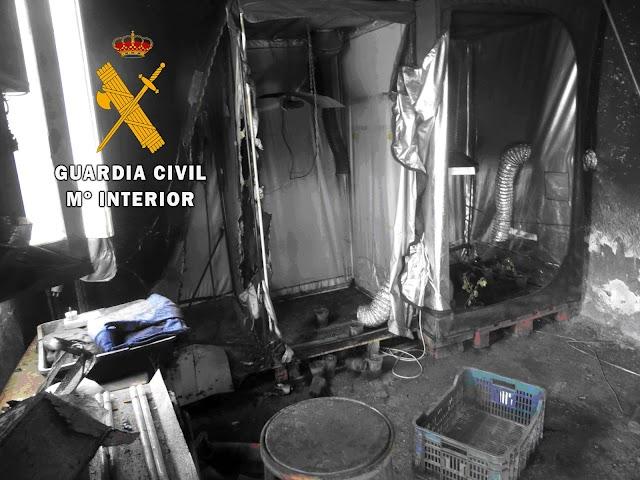 Almacen calcinado encontrado en la finca / Comandancia de la Guardia Civil