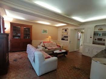 Maison 11 pièces 252 m2