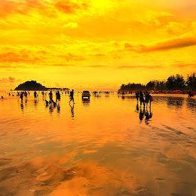 Malin Kundang Beach by Evan Septian - Landscapes Beaches ( #evan #indonesia #malinkundang #padang )