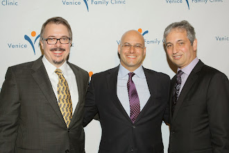 Photo: BEVERLY HILLS, CA - MARCH 03: (L-R) Producer Vince Gilligan, Humanitarian Award winner Chris Silberman and Producer David Shore attend the Venice Family Clinic's 35th Annual Silver Circle Gala held at The Beverly Hilton Hotel on March 3, 2014 in Beverly Hills, California.  (Photo by Mike Windle/Getty Images for VFC)