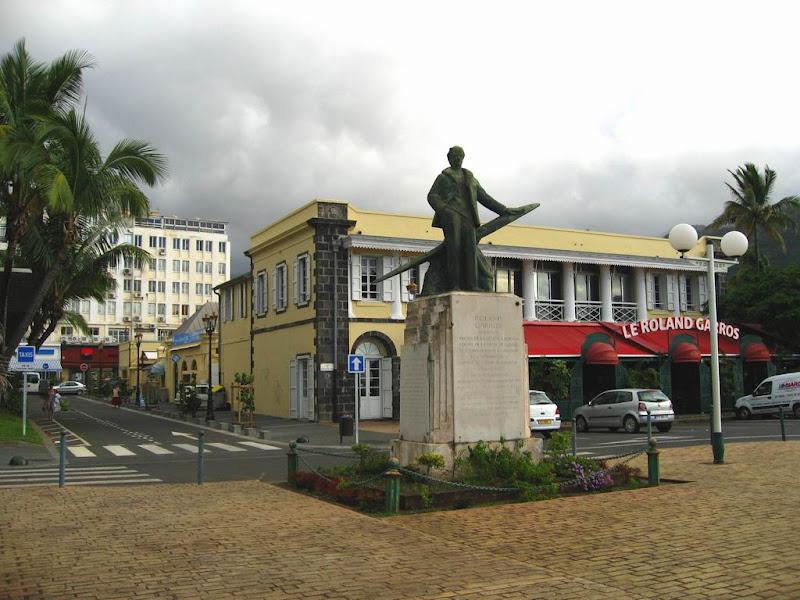 Photo: #195-La statue de Roland Garros