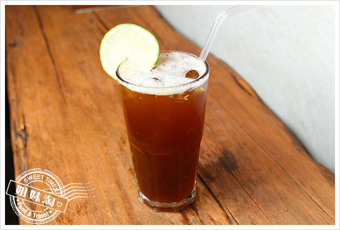 翫味集 高雄 咖啡 飲品 原木
