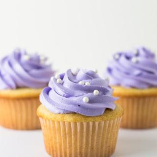 White Cake Cupcakes