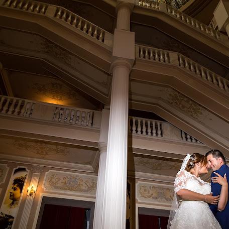 Wedding photographer Cristian Burlacu (CrsPhotographer). Photo of 21.11.2017