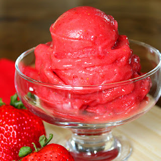 Skinny Strawberry Sorbet