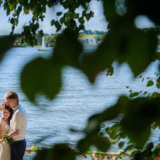 Wedding photographer Denis Zaporozhcev (red-feniks). Photo of 06.08.2014