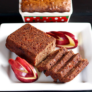 Vegan Apple Dates Bread