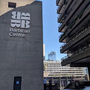 まるでラピュタの世界…ロンドン中心部の巨大文化施設にある温室「バービカン・コンサバトリー」