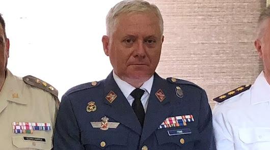 Defensa renueva su confianza en el coronel Javier Frías