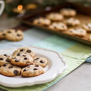 Paleo Chocolate Chip Cookies (5 Ingredients!).