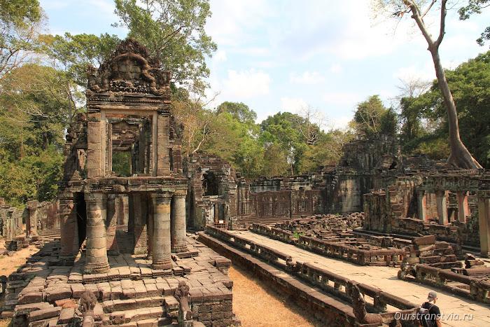 Зал танцоров в Преа Кхан, Ангкор