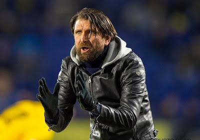 """Trainer NAC Breda heeft het gehad met voetbalwereld: """"Het gaat alleen maar om geld, bijna iedereen denkt eerst aan zichzelf"""""""