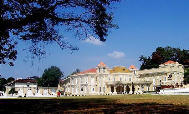 Maziah_Palace,_Kuala_Terengganu