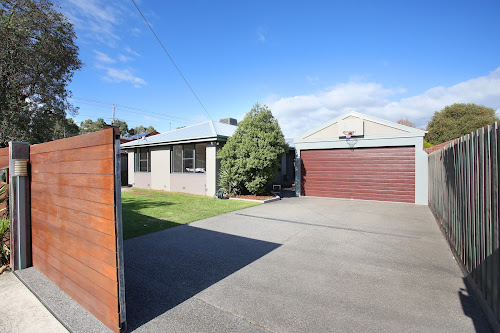 Photo of property at 4 Seccull Drive, Chelsea Heights 3196