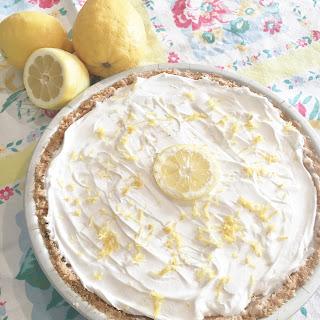 No Bake Lemon Cheesecake Pie.
