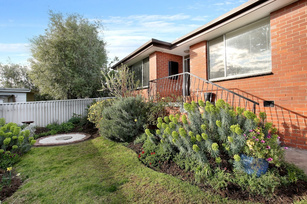 Main photo of property at 2/8 Stapley Crescent, Chadstone 3148