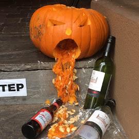 Happy Halloween by Sarah Tregear - Public Holidays Halloween (  )
