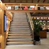Tsutaya Bookstore - Wired Tokyo(台中市政店)