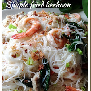 My Mum Fried White Bee Hoon (妈妈炒白米粉).