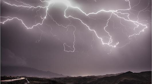Crónica de un diluvio histórico: las dos madrugadas en las que se inundó Almería