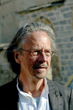 Photo: Austrian author Peter Handke visits the Serb Orthodox Church of Sveti Stefan in the village of Velika Hoca, some 60km west from Pristina, 08 April 2007. Handke visited Kosovo where he donated 50,000 euros to the people of Serbian enclave Velica Hoca.     AFP PHOTO / STR䡆‱ᴤÿ