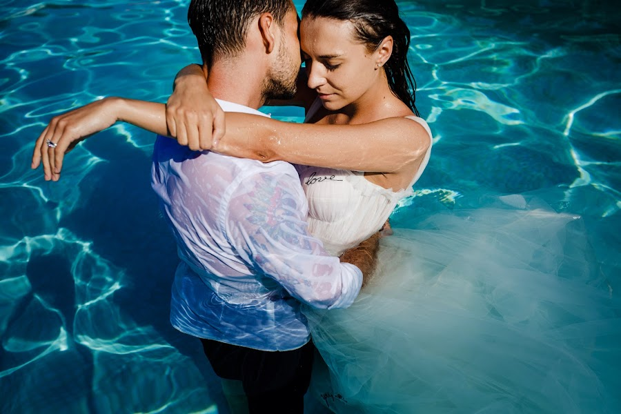 Wedding photographer Sabina Mladin (sabina). Photo of 16.07.2019