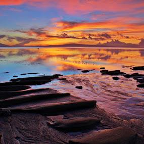 Sunrise at Sanur Beach by Maki Sumawijaya - Landscapes Sunsets & Sunrises ( pwcreflections )
